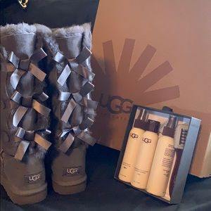 New without tags! Gray Bailey Bow Ugg Boots
